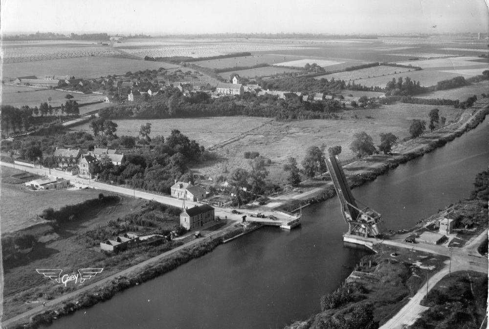 Pegasus Bridge just after WW2, showing few changes since 1944