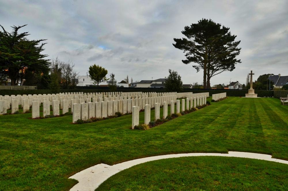 Escoublac-la-Baule War Cemetery
